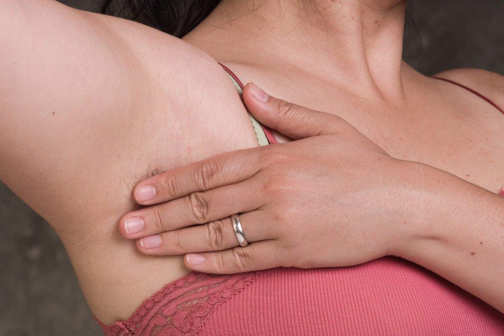 Симптомы подмышечного лимфаденита