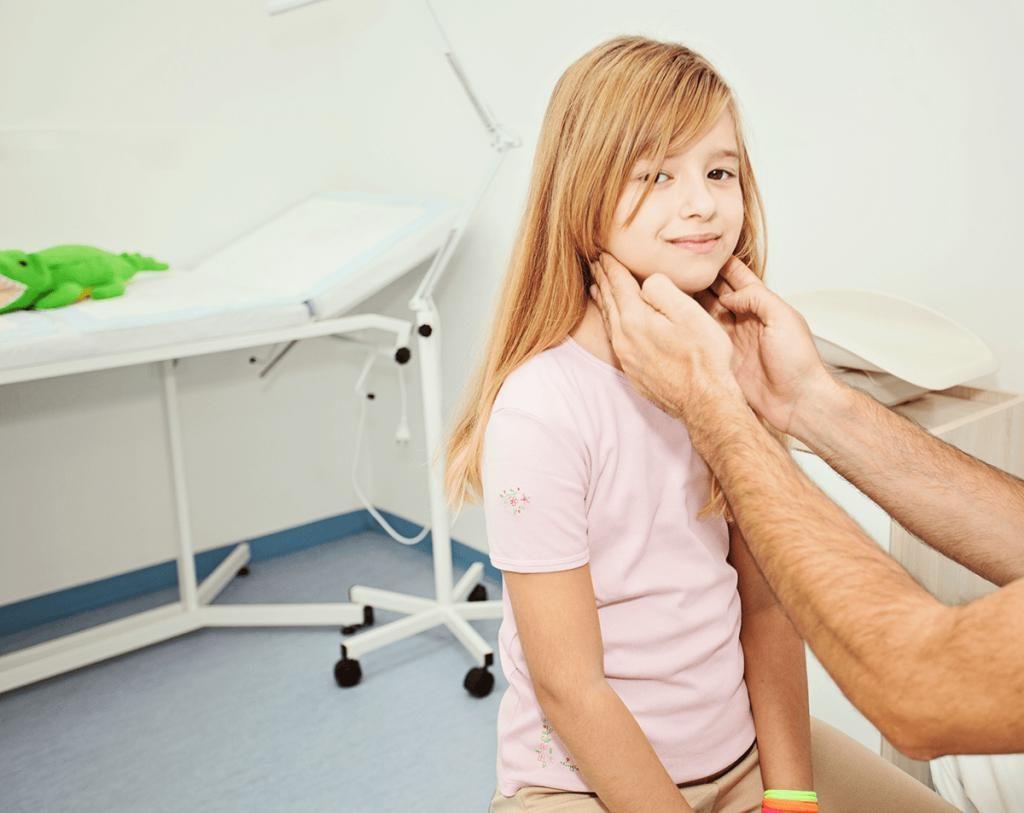 Лимфаденопатия у детей: причины, виды, симптоматика