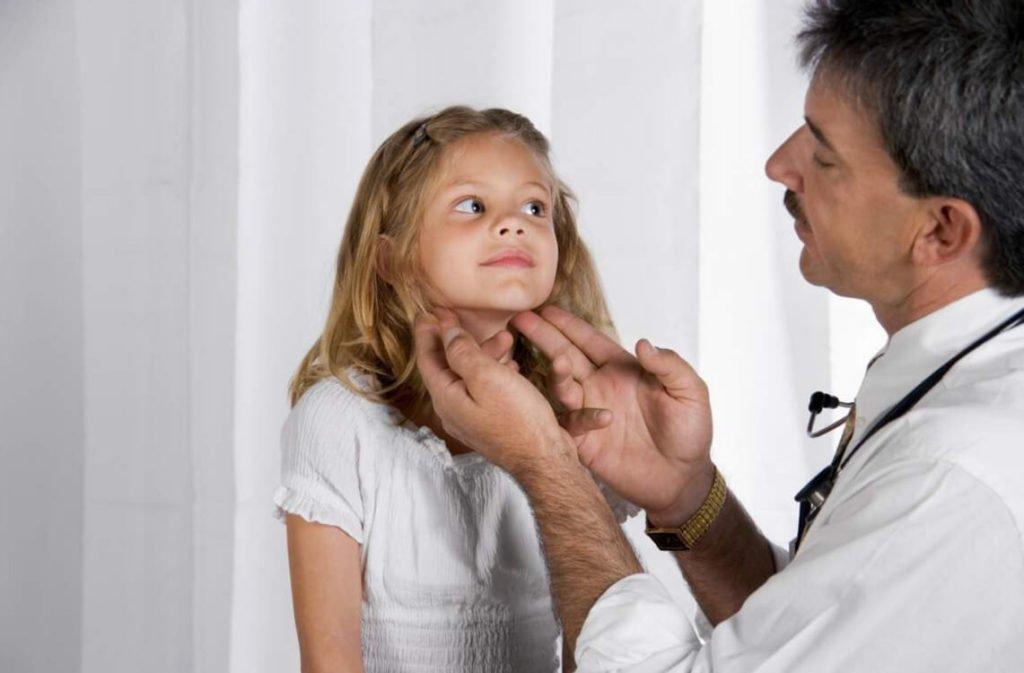 Лимфоузлы на голове у ребенка: нормальные размеры и причины увеличения