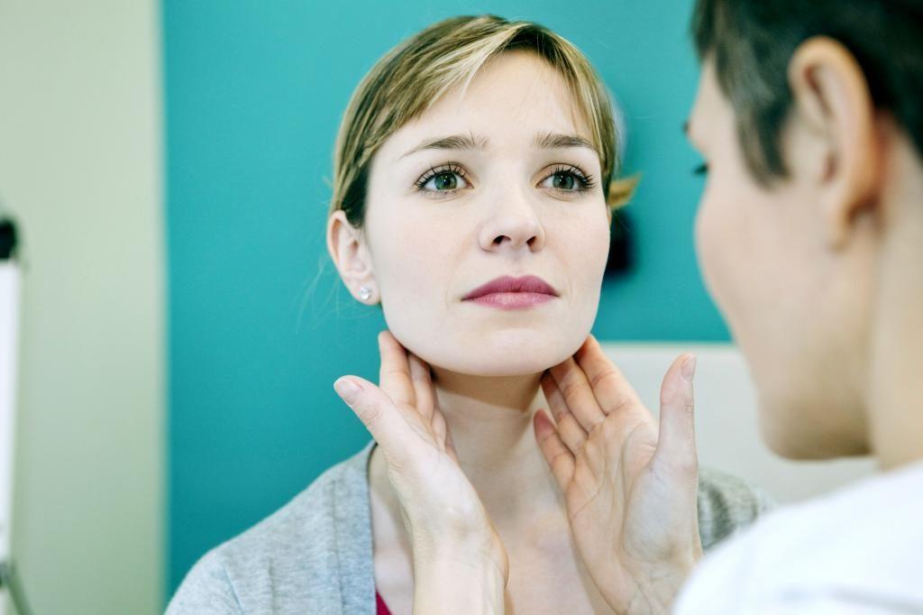 Рак лимфоузлов на шее: причины, симптомы, осложнения, диагностика, классификация и лечение