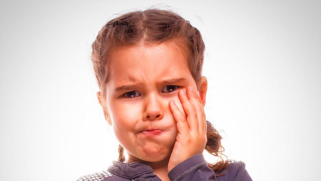 Почему могут быть увеличены подчелюстные лимфоузлы у ребенка: причины и симптомы