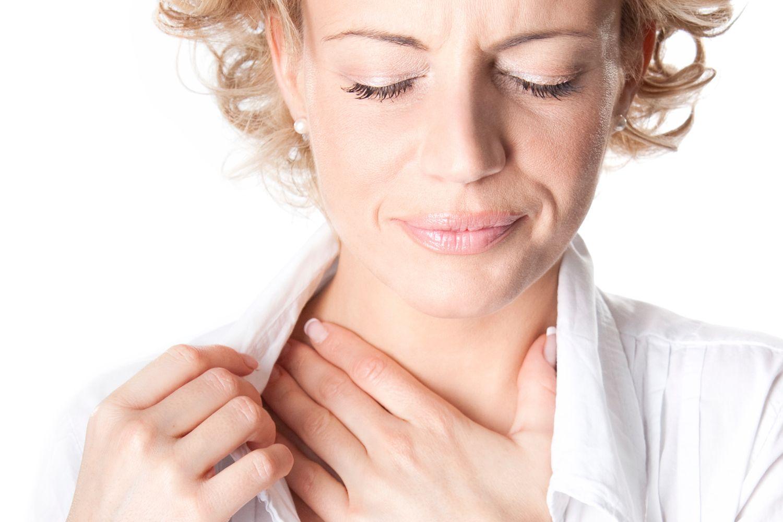 Воспалились лимфоузлы на шее и болит горло