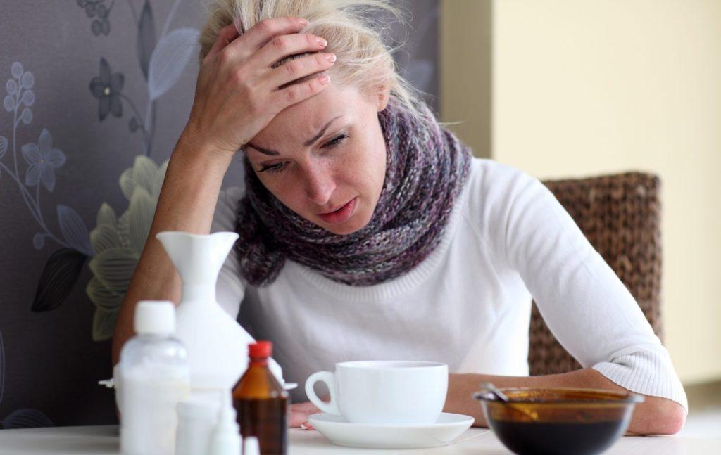 Паратонзиллярный абсцесс: причины, симптомы и лечение паратонзиллита