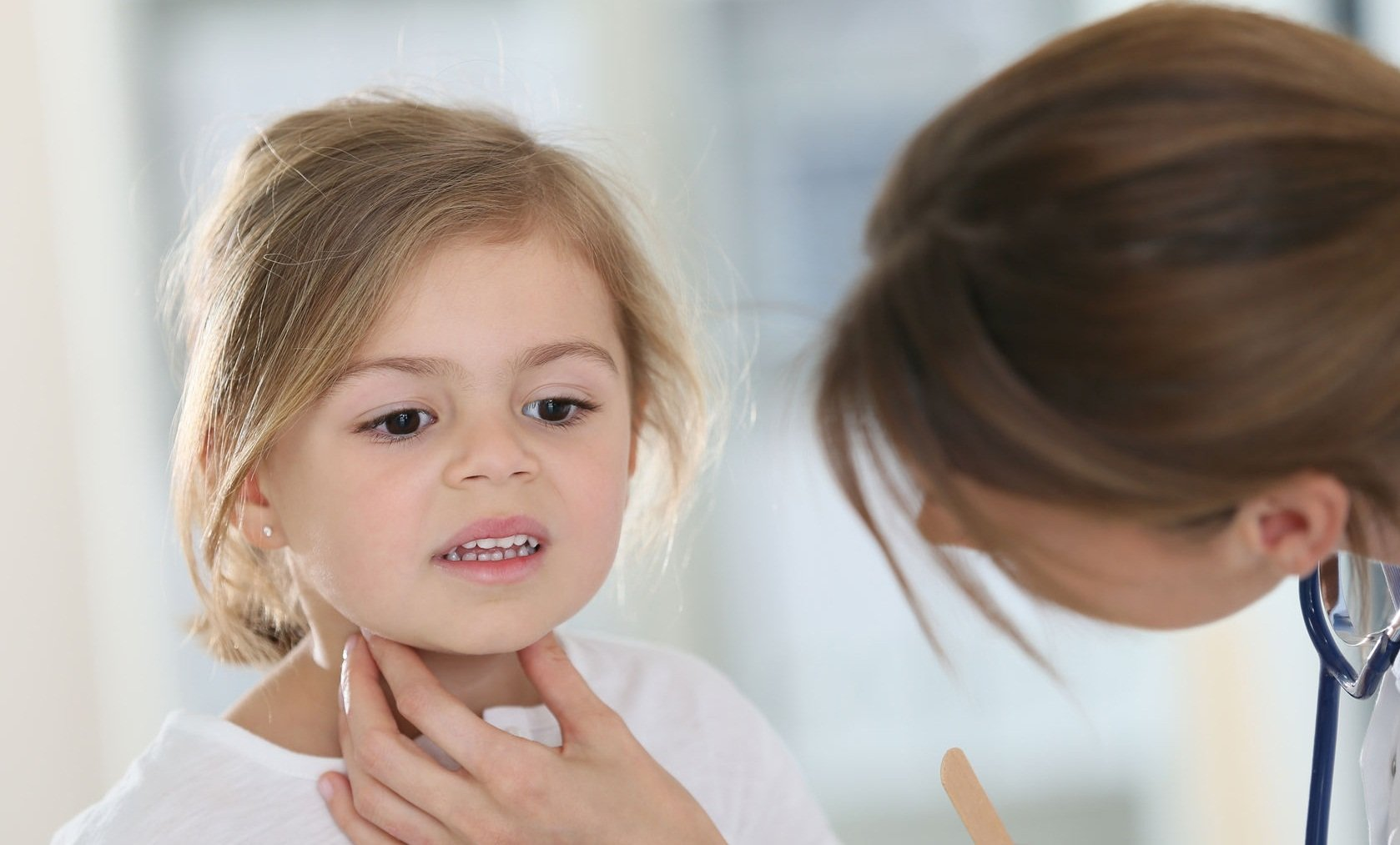 Опухшие миндалины фото