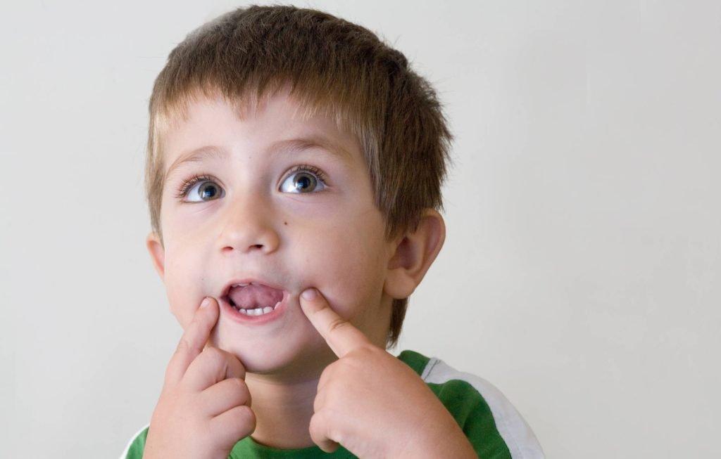 Показания к проведению подрезания миндалин у детей