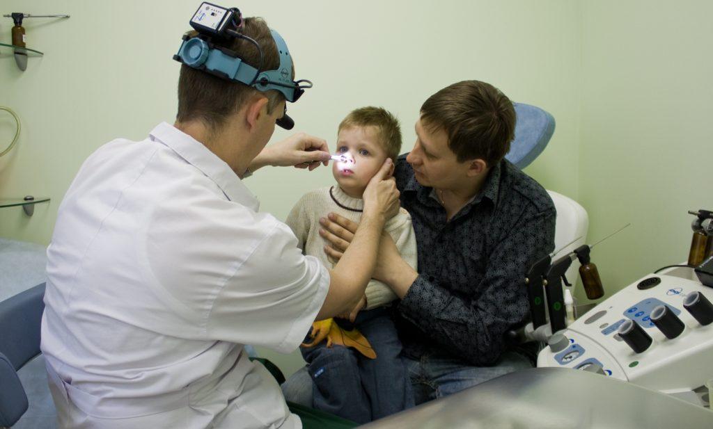 Этапы проведения лазерной редукции аденоидов у детей