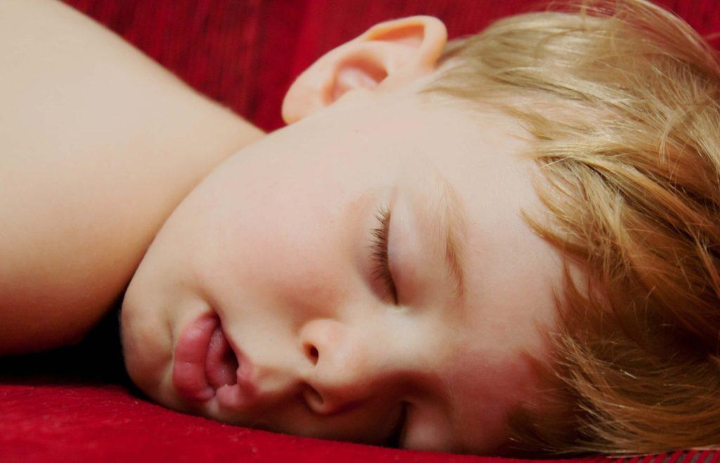 Опасность аденоидов в носу у ребёнка