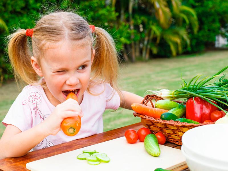 здоровый ребенок с хорошим иммунитетом